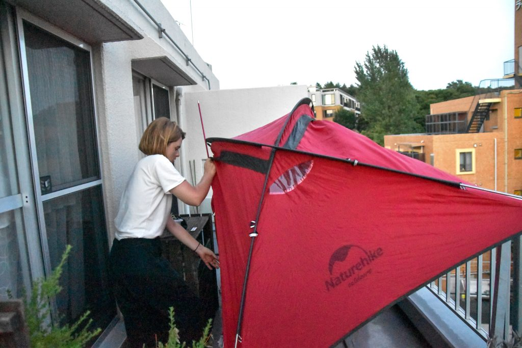 setting up urban glamping tent in 40 degree heat... much much harder than it looks
