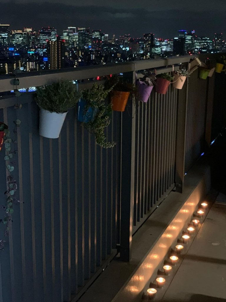balcony set up for firecrackers